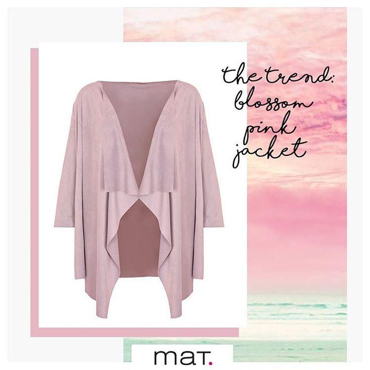 Η μόδα φέτος τα βλέπει όλα παστέλ... Και το παστέλ ροζ τζάκετ με suede υφή και πτυχώσεις είναι από τα αγαπημένα μας!  Ανακάλυψε το ➲ code: 671.4052.M #matfashion #springsummer2017 #collection #pastel #fashion #inspiration #pink #ootd #plussizefashion