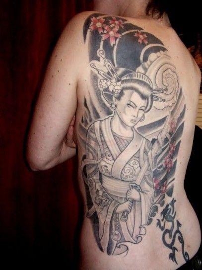 Tatuaggio giapponese con geisha