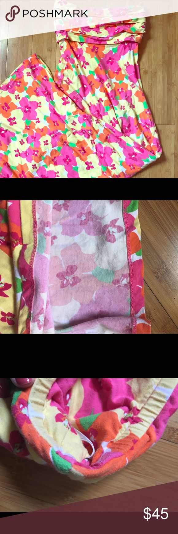 Lilly Pulitzer Strapless Maxi Dress This listing is for a Lilly Pulitzer Maxi Dress in Hotty Pink Floral Punch in a size small. No wear on bottom hem. It has NOT been shortened. Lilly Pulitzer Dresses Maxi