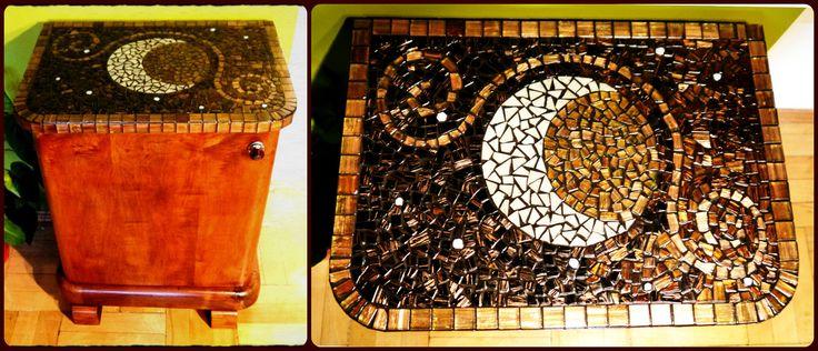 """""""Hold"""" art deco éjjeliszekrény / """"Moon"""" art deco bedside table"""