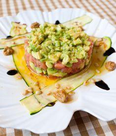Tartar de tomate y aguacate con carpaccio de calabacín (Cristina Oria)