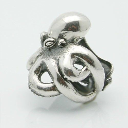 Silver octopus ring  .925 sterling made in NYC Blue Bayer Design. $146.00, via Etsy.