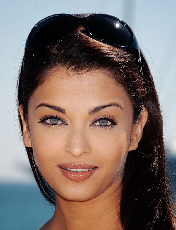 Aishwarya Rai. Wow, here she looks so much like another beauty from Iran.