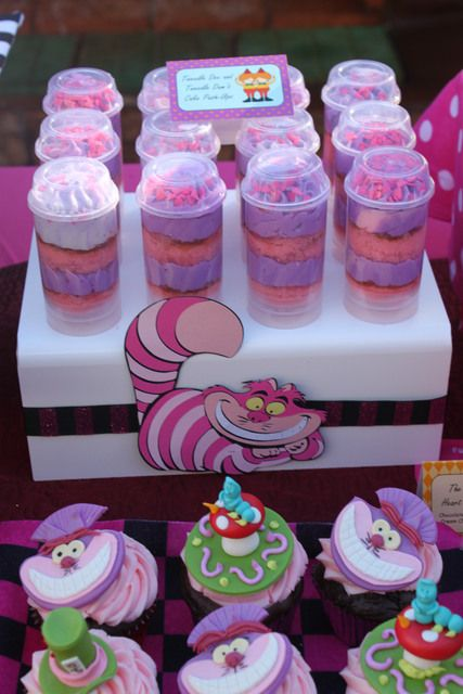 Push up pops and cupcakes at a Alice in Wonderland Party #aliceinwonderland #party