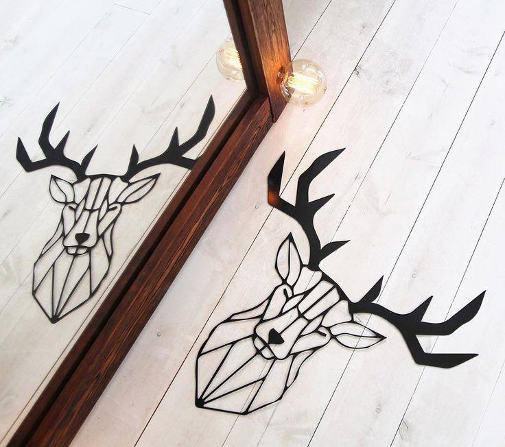 Один из первых в нашей линейке, и уже так полюбившийся многим -  О Л Е Н Ь  Здорово смотрится с деревянным зеркалом с ретро-лампами!  __________  #metallwall #декордлядома #декоринтерьера #лофтдекор #лофтинтерьер #декоризметалла
