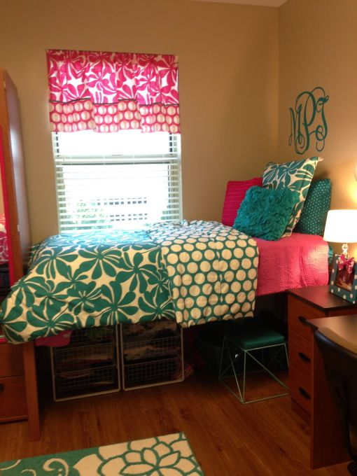 Pink turquoise dorm room our freshmen dorm room for Diy network bedroom ideas