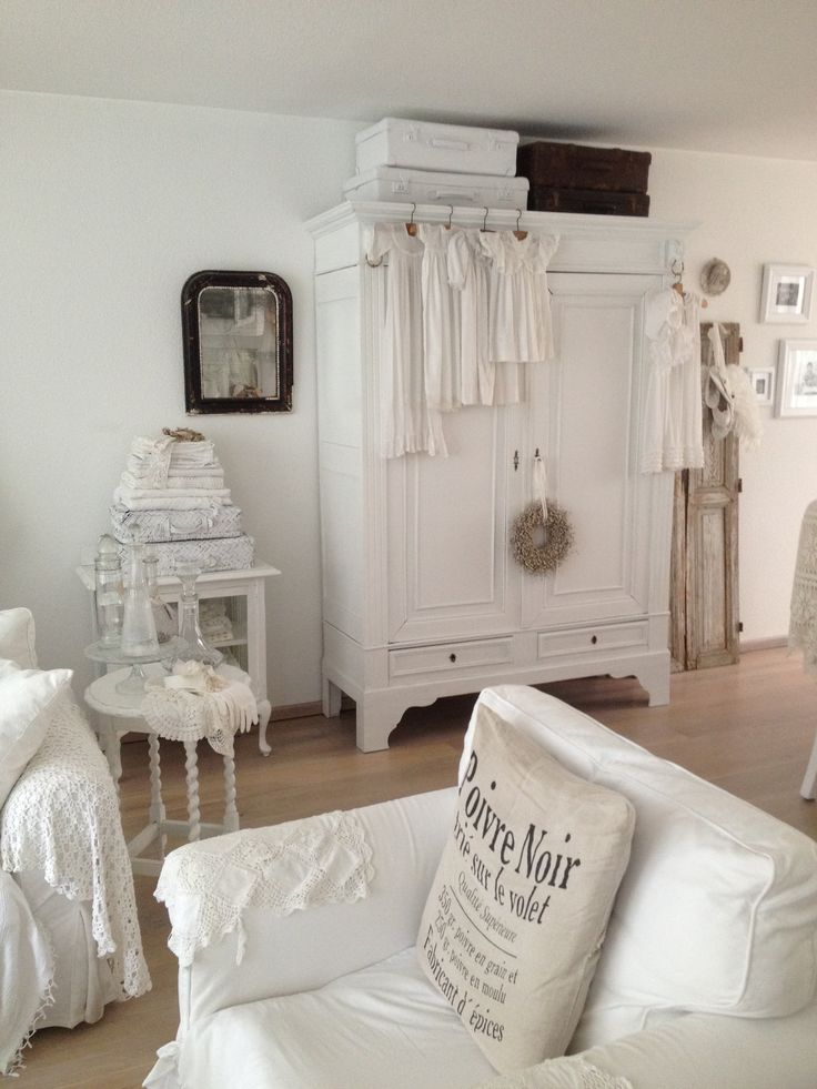 best 25 kommode landhausstil ideas on pinterest kommode. Black Bedroom Furniture Sets. Home Design Ideas