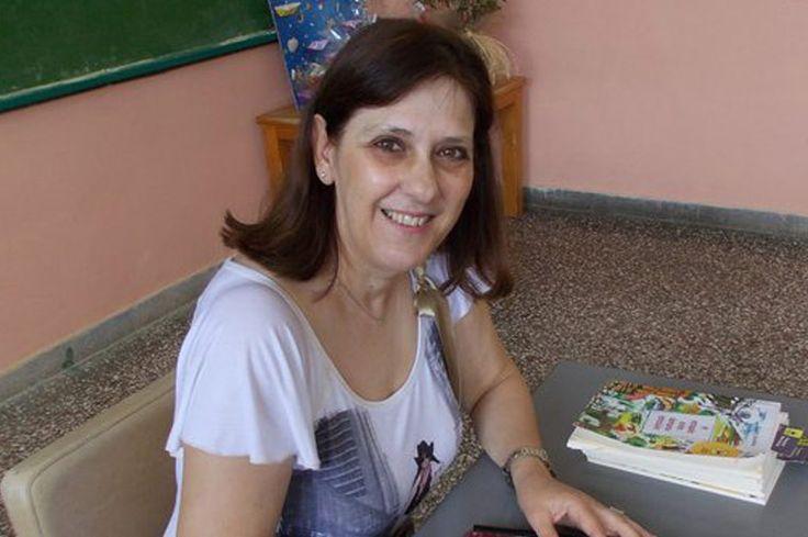 Ελένη Δικαίου, συγγραφέας, μιλάει στο Διονύση Λεϊμονή