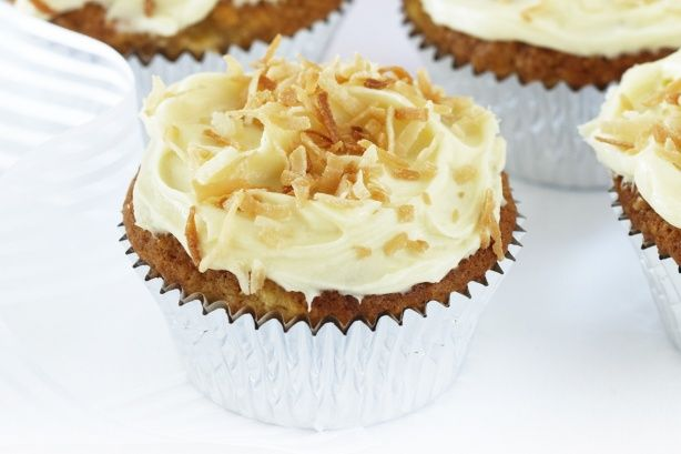 These sweet little hummingbird cakes are made from real banana and pineapple pieces.