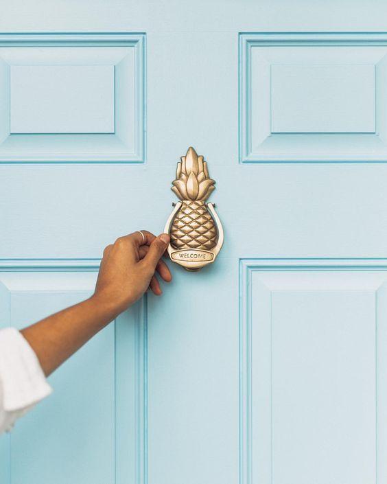 tiffany blue door, pineapple door knocker