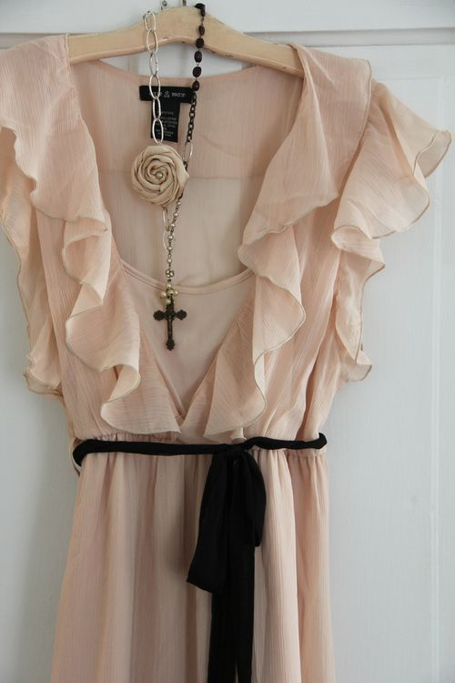 pretty. i'd like the fabric. i'm sure