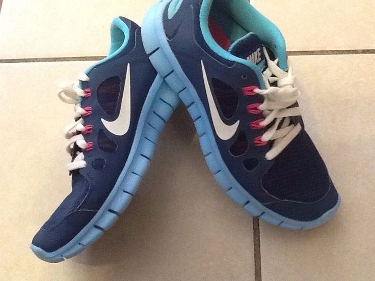 Nike Free 5 Girl Shoes Size 4.5Y Excellent Condition