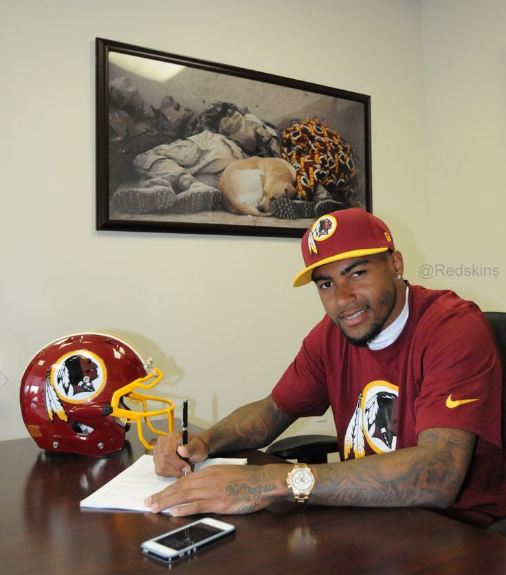 WR DeSean Jackson signs with the #Redskins.