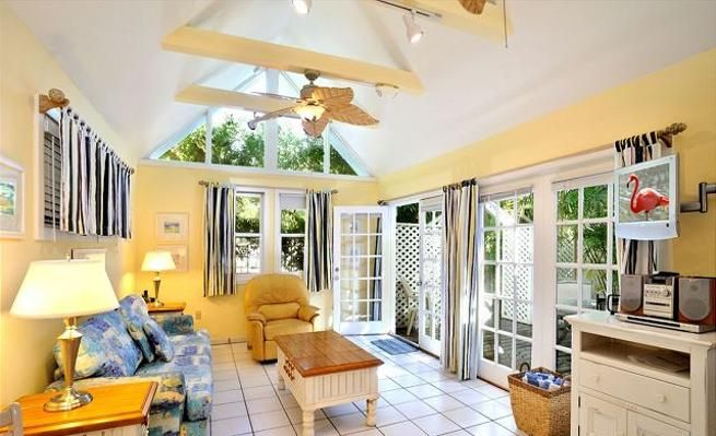 Air Conditioned 1-Bedroom Suite with Shared Pool -VaycayHero