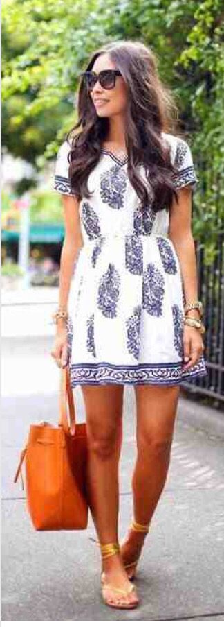 I like the style/pattern of this dress. It would be better if it was longer.