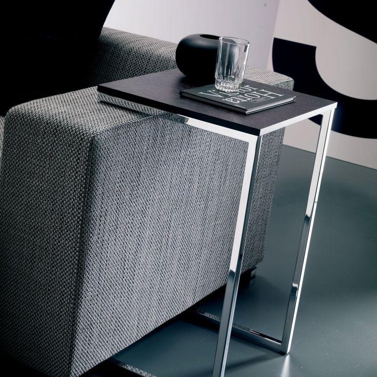 Tavolino quadrato lato divano Tower di Bontempi