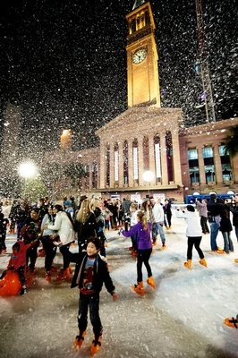 Brisbane Winter Festival 2012...Fake snow, our winters don't get cold enough for snow❄