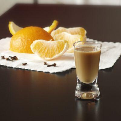 Bardzo szybki i prosty w wykonaniu likier kawowy! Delikatny, subtelny w smaku, aksamitna konsystencja.