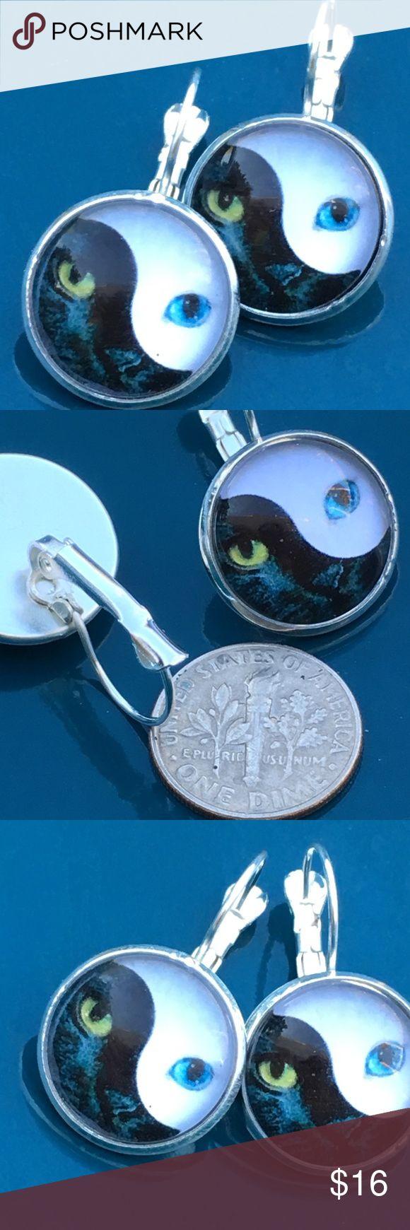 Blue green eyed cat 🐱 yin yang earrings Nice earrings clips- silver alloy Jewelry Earrings