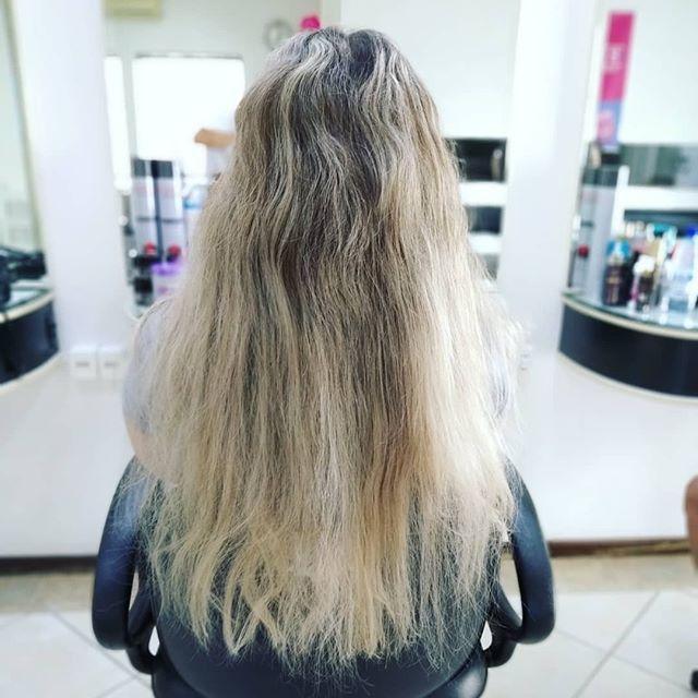 素晴らしいヘアスタイル作品 ヘアスタイリスト Savio Hairstylist 年齢性別ヘアカラー髪の長さなどのフィルターで検索が必要ですか Hairstylefinder アプリを使用してみてください Hairstylefi Hair Styles Hairstyle Long Hair Styles