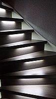 Donkere trap met ledverlichting Helder Wit