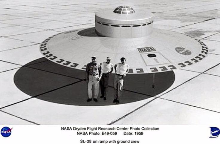 Después de la Operación Paperclip realizado por los aliados en la Segunda Guerrera Mundial, recopilaron científicos y tecnología Nazi para su estudio en América, Rusia, etc, dicha tecnología ha sido guardada y estudiada en el Area 51.