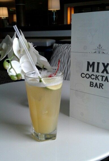 Mix Bar cocktail Pacific Pearl June 2016