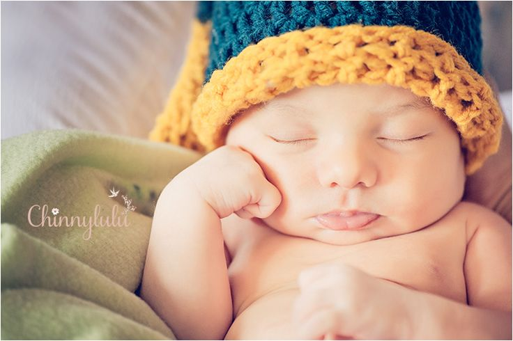 #newbornphotography #ocnewbornphotographer #ocnewbornphotography #chinnylulu #chinnylulunewbornphotography #newbornpose #babycrochethat #26daysold