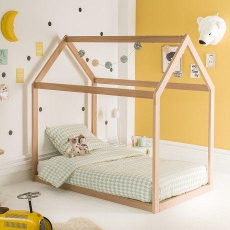 """Inspiré des méthodes pédagogiques Montessori, ce très joli  lit enfant  cabane 90x140 à très faible hauteur de couchage permettra à votre enfant de développer son autonomie dans l'environnement d'une chambre sécurisée.  Réalisé en hêtre massif de section 65x27 et complété d'un sommier à lattes 92x20 en sapin, ce  lit Montessori est assemblé sans vis apparentes et bénéficie d'une très belle qualité de fabrication. Un kit d""""évolution, vendu séparément, vous permettra d'augmenter les…"""