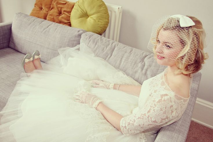 Loving this Mad Men-esque wedding style! #1950s #weddingdress #shoes