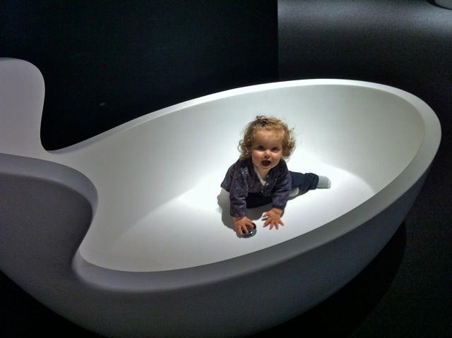 ARNE bathtub design Soda Design with a lovely baby!