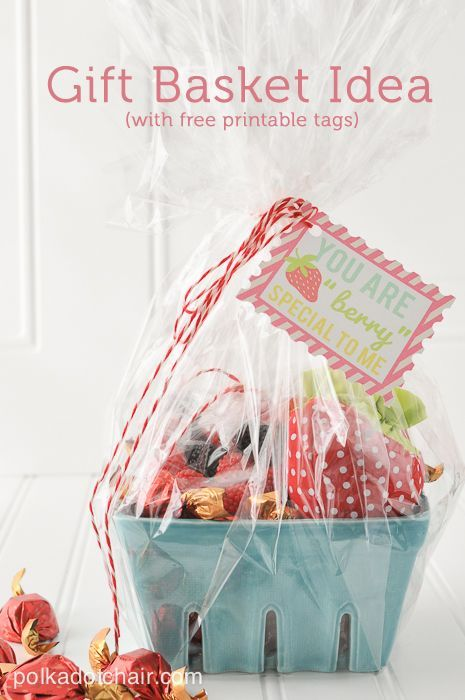 Strawberry Gift Basket Ideas, cute neighbor gift ideas would be fun teacher gift ideas, a fun idea for a berry basket with free printable