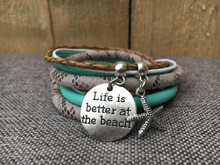 Leren wikkelarmband 'At the Beach' http://link.marktplaats.nl/m1191407637?utm_source=ios_social&utm_medium=social&utm_campaign=socialbuttons&utm_content=app_ios