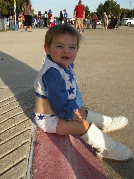 Dallas Cowboy Cheerleader-too cute!!
