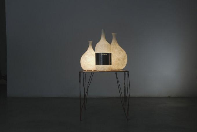 Svítidlo s nápaditým designem i názvem Luce likvida - tekuté světlo