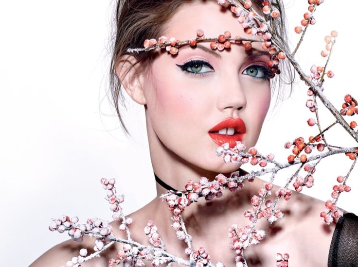 Lindsey Wixson models spring beauty looks in Vogue Magazine Russia December 2016 issue