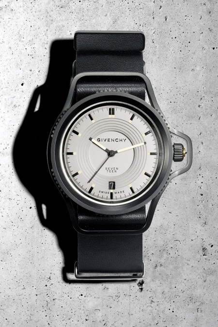 """Givenchy Presents the """"Seventeen"""" Watch by Riccardo Tisci"""