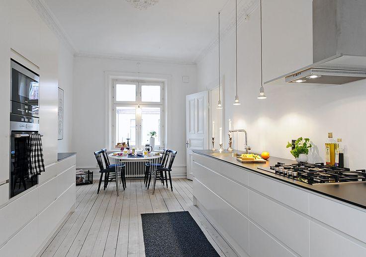 Line vit | Ballingslöv LOCATION: En varsamt renoverad sekelskiftesdröm Lorensberg, Göteborg