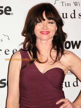 essie davis biography
