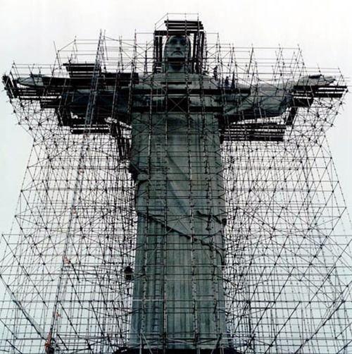 scaffolding christ.