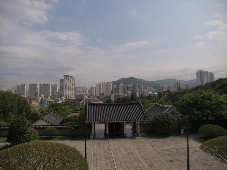 Chungyeolsa(shrine)