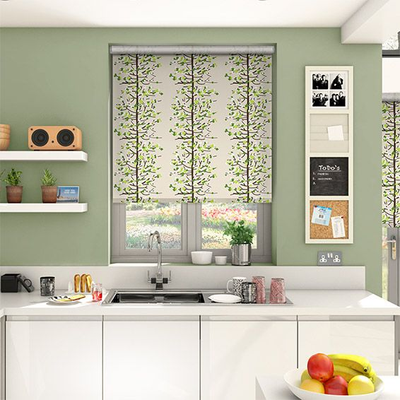 Like a great leafy park on a crisp spring day, the Berry Blossom Apple Green roller blind brings a garden-fresh design to your windows with refreshing air flowing throughout.