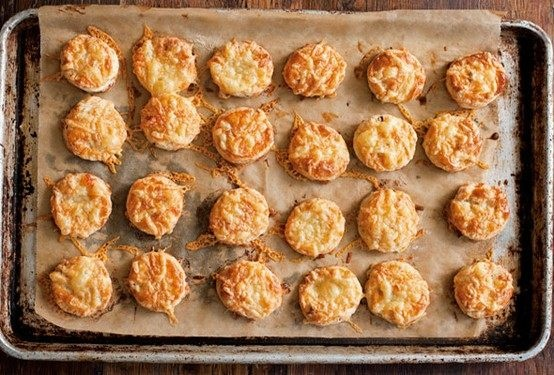 Bite-size bacon and cheese scones | delicious | Pinterest