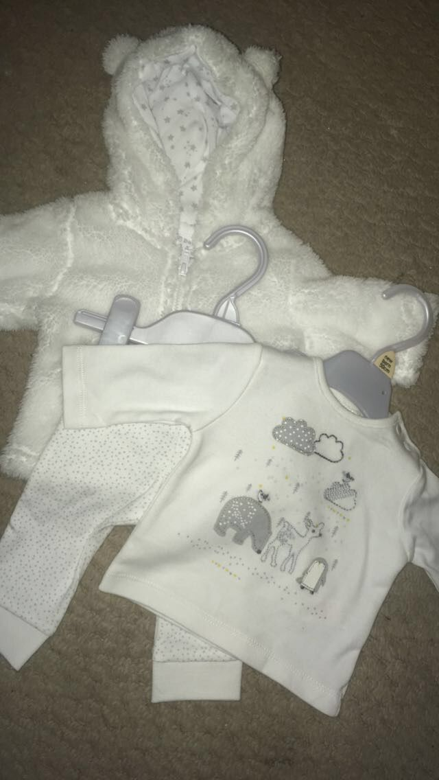 Winter whites for baby's going home outfit ☃☃
