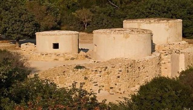 Choirokoitia is an archaeological landmark located about 30 minutes drive from Larnaka, Lefkosia and Lemesos.