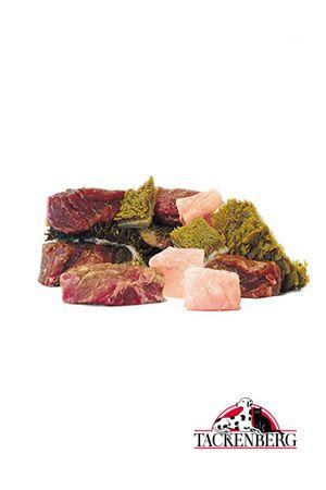 Tricolore vom Rind & Huhn  Ein dreimaliges Fressvergnügen für jeden Hund. Das Tricolore vom Rind und Huhn vereint den nahrhaften, grünen Rinderpansen mit schierem, zarten Rinder- und Hühnermuskelfleisch.   http://www.tackenberg.de/shop/barf-rohfleisch/Fleischwuerfel/Tricolore-vom-Rind-Huhn.html