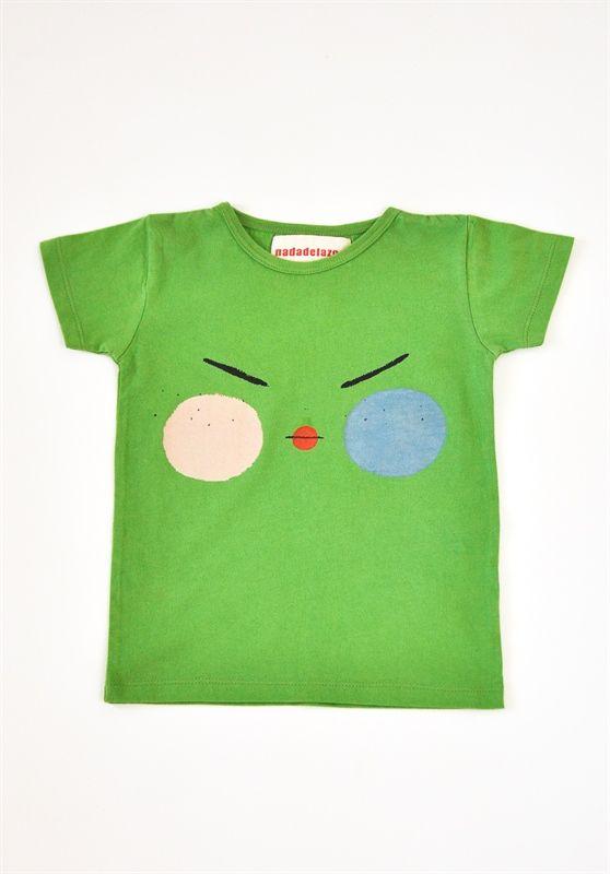 Μπλούζα κοντομάνικη από 100% οργανικό βαμβάκι.  Σε πράσινο χρώμα με στάμπα φατσούλα στο μπροστινό μέρος.  Κατασκευή: Ισπανία