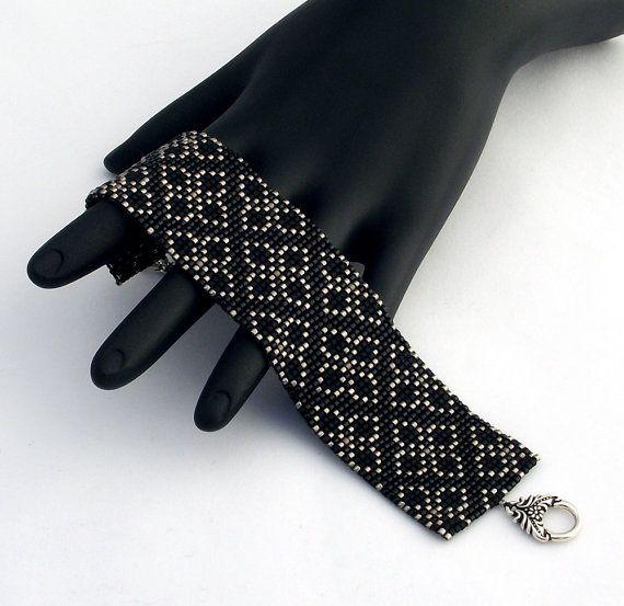 Maille carrée perles Bracelet Brocart Floral étroit par NeatBeading
