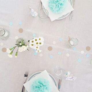 B a r n e d å b • bordene set oppefra ♡ #barnedåb #barnedåbspynt #dåb #drengedåb #bordkort #borddækning #homemade #kreativ #creative #lineharbo #goodybags #densødetand #lukasalbum #lukasdåb #barneselskaber
