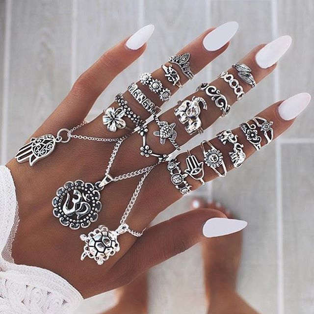 Too much or not enough? @bohomoon have a valentines offer on for next 24 hours use code VDay #rings #jewelry #nails